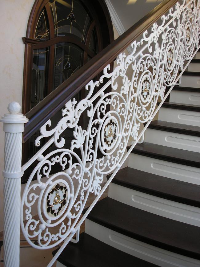 Балясины для лестниц купить недорого в Москве - Латель